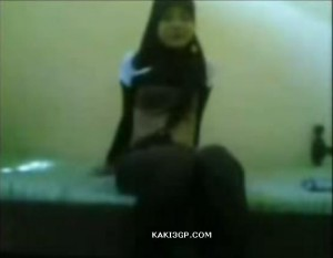 8342ed181458425 Awek Melayu Cute Barai (Video Aksi Seks Bertudung)